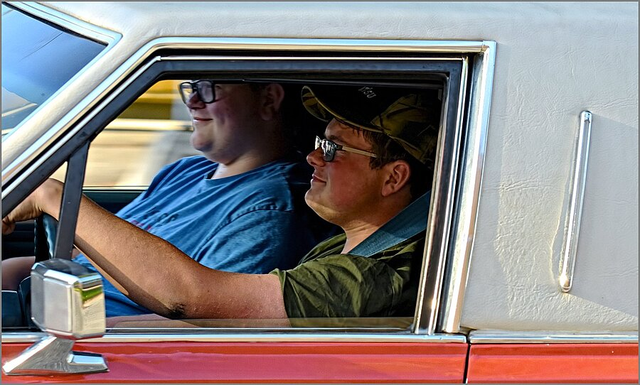 Driving a Classic Limousine ... | NIKKOR AF-S 70-200MM F/4G ED VR <br> Click image for more details, Click <b>X</b> on top right of image to close
