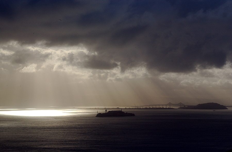 Alcatraz | NIKON 28-70MM F/2.8D ED-IF AF-S <br> Click image for more details, Click <b>X</b> on top right of image to close